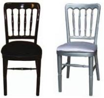 Siyah ve gri renklerde tonet sandalye kiralama hizmeti